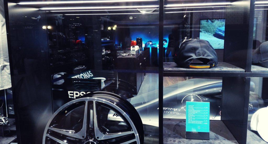 Salon Mercedesa wMediolanie