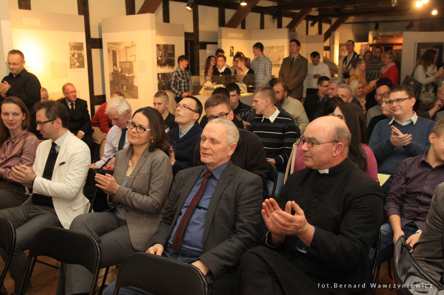organizacja wystaw fotograficznych kuratorstwo galeria poznań